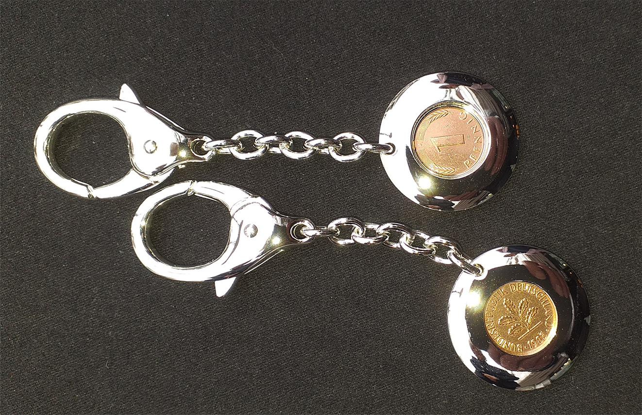 Glücksbringer: Schlüsselkette mit einem echten Pfennig